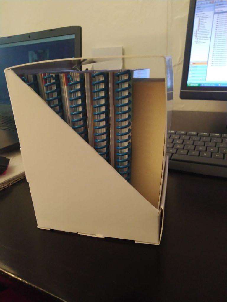 boîte fermée avec des livres